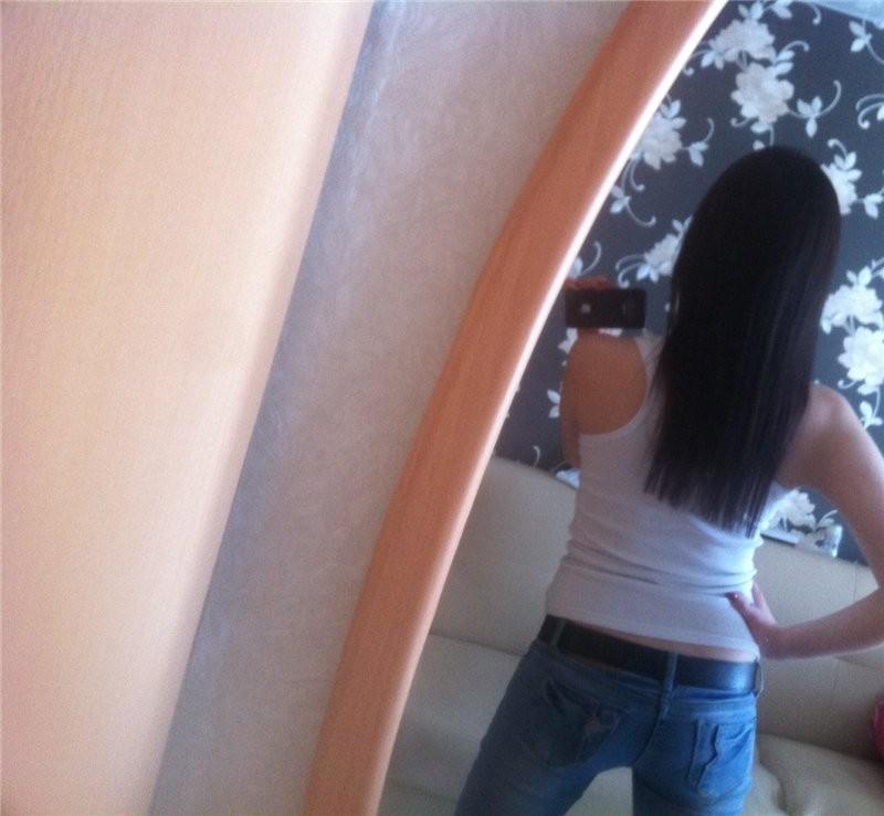 Брюнетка фото со спины в домашних условиях